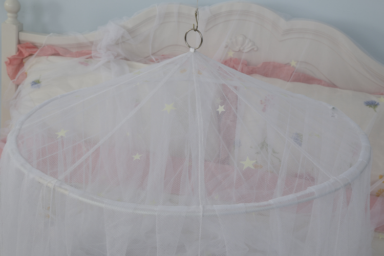 Glow in The Dark Kids Bed Canopy Baby Crib Play Tent Fairy Light Stars Large Mosquito Net