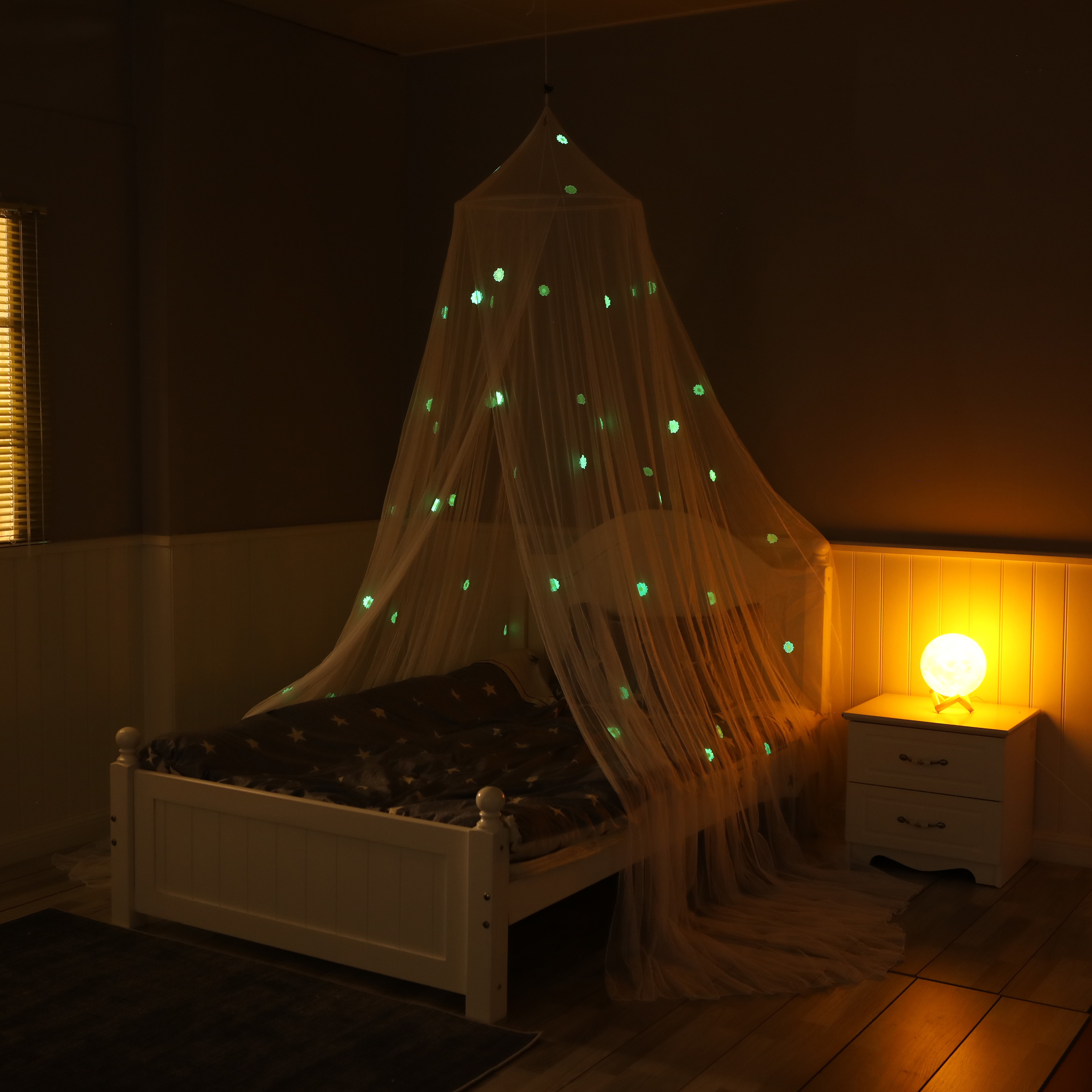 Valuable Kids Hanging Bed Canopy for Girls Bed Or Boys with Glow in The Dark Stars To Fit Full Size Bed.
